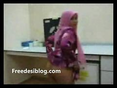Paki Girl Fucked At Office