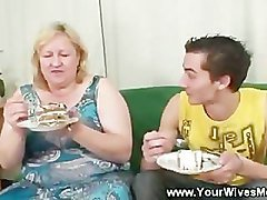 Enjoying a horny birthday cake with mature lady