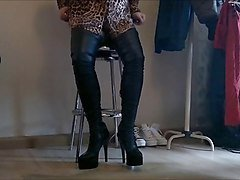 dwt  crossdresser in new leather high boots