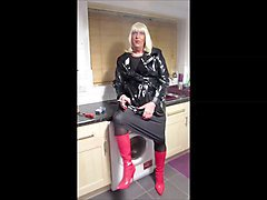 smoking amateur crossdresser 1