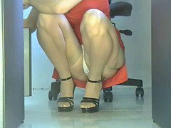 Office Girl Squatting Upskirt